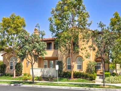 Vivienda unifamiliar for sales at Irvine 214 Scarlet Irvine, California 92603 Estados Unidos