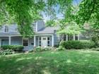 Nhà ở một gia đình for sales at Split foyer Glendale home 1245 Brownell Avenue St. Louis, Missouri 63122 Hoa Kỳ