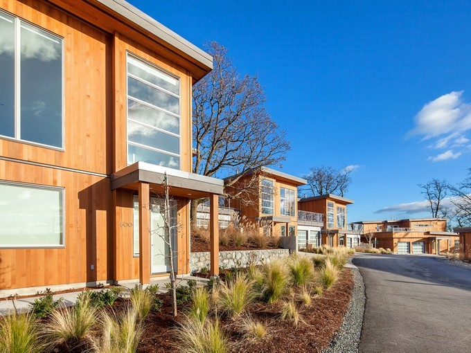 Townhouse for sales at Exclusive Luxury Townhome 4035 Rainbow Hill lane Victoria, British Columbia V8X0A6 Canada