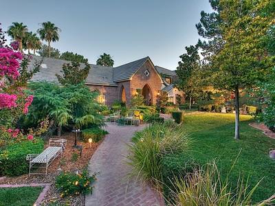 Nhà ở một gia đình for sales at Lion's Gate 3000 Loma Vista Ave Las Vegas, Nevada 89120 Hoa Kỳ