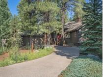 Maison unifamiliale for sales at Delightful Forest Highlands Home 2094 E Paleo Place   Flagstaff, Arizona 86005 États-Unis