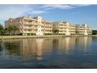 Eigentumswohnung for sales at Royal Palm Pointe Panoramic River Views 11 Royal Palm Pointe 1E Vero Beach, Florida 32960 Vereinigte Staaten