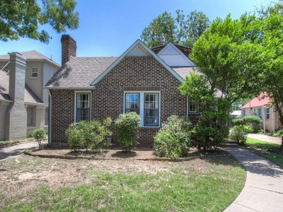 Single Family Home for sales at 3359 Park Ridge Blvd.  Fort Worth, Texas 76109 United States