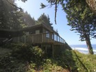 Maison unifamiliale for  sales at Oceanfront Home on 1.37 Acres 44790 Tide Ave Arch Cape, Oregon 97102 États-Unis