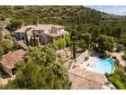 Casa Unifamiliar for  sales at 2505 Place du chateau Gordes, Provincia - Alpes - Costa Azul 84220 Francia