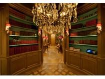 Appartamento for sales at Extravagant Designer-Apartment  Dusseldorf, Nord Reno-Westfalia 40237 Germania