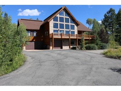 Частный односемейный дом for sales at Custom Home in Shadow Dancer Estates 964 Trail Ridge Dr. Alpine, Вайоминг 83128 Соединенные Штаты