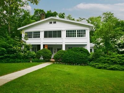 Casa para uma família for sales at Historic Colonial 12 Hubbard Park  Red Bank, Nova Jersey 07701 Estados Unidos