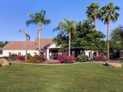 단독 가정 주택 for sales at Great Family & Entertaining Home in Paradise Valley 9459 N 57th Street Paradise Valley, 아리조나 85253 미국
