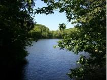 Land for sales at Lake Community 30 Brook Lane   Cortlandt Manor, New York 10567 Vereinigte Staaten