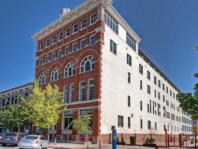 Appartement en copropriété for sales at Stunning Urban Loft 159 West 300 South #301 Salt Lake City, Utah 84101 États-Unis