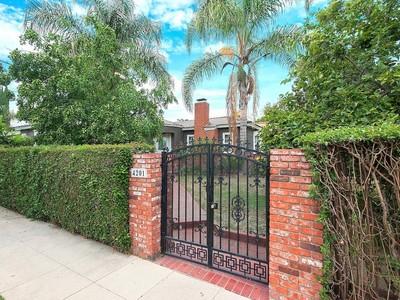 Moradia for sales at 4201 Kraft Ave  Studio City, Califórnia 91604 Estados Unidos