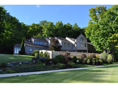 Maison unifamiliale for sales at A view From Every Window 308 Uphill Road Dorset, Vermont 05251 États-Unis