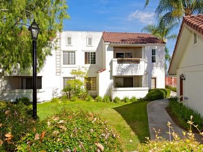 Condominio for sales at 13317 Caminito Ciera # 152 13317 Caminito Ciera #152 San Diego, California 92129 Estados Unidos