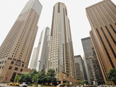 Condominium for sales at Beautiful Updated Two Bed 2 Bath in Millennium Park Full Amenity Building 222 N Columbus Unit 1109 Chicago, Illinois 60601 United States