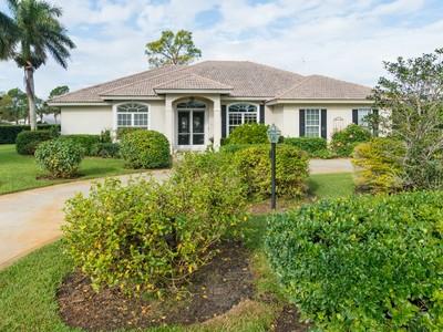 Casa Unifamiliar for sales at Golf Course Home in Bent Pine 5805 Clubhouse Dr Vero Beach, Florida 32967 Estados Unidos