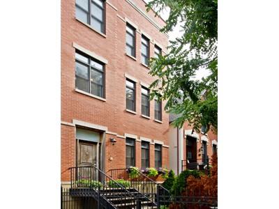 콘도미니엄 for sales at Top Floor Duplex Up 2140 W Schiller St Unit 2N Chicago, 일리노이즈 60622 미국