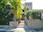 Appartement en copropriété for sales at 11640 Woodbridge St. #106 11640 Woodbridge Street 106 Studio City, Californie 91604 États-Unis