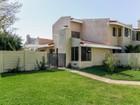 Частный односемейный дом for sales at Stow 1884 Stow Simi Valley, Калифорния 93063 Соединенные Штаты