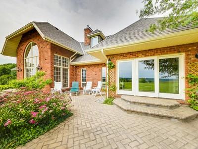 Casa para uma família for sales at Custom Built Estate 3173 11 Nottawasaga Con S Singhampton, Ontario N0C1M0 Canadá