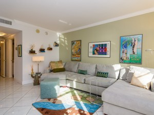 Additional photo for property listing at 5660 Collins Ave 5660 Collins Ave 10-B Miami Beach, Florida 33140 United States
