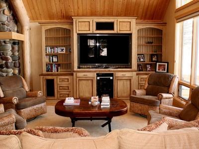 Casa para uma família for sales at Private Home in Bar B Bar Meadows 6745 Ryegrass North Jackson Hole, Wyoming 83001 Estados Unidos