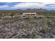 Maison unifamiliale for sales at Spacious North Scottsdale Estate with Stunning Views 8755 E Dixileta Drive #0   Scottsdale, Arizona 85266 États-Unis