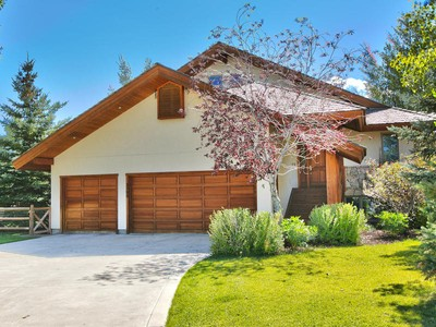 一戸建て for sales at Excellent Value for Spacious Aspen Springs Ranch Home 2590 Aspen Springs Dr Park City, ユタ 84060 アメリカ合衆国