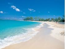 Kat Mülkiyeti for sales at The Reef #11-917 Paradise Island, New Providence/Nassau (Yeni Providence/Nassau) Bahamalar