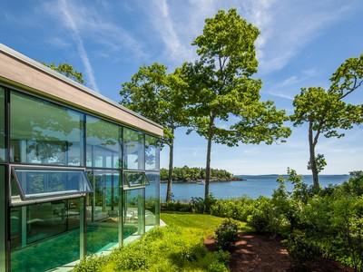 Nhà ở một gia đình for sales at Bay View 148 Bay View Street Camden, Maine 04843 Hoa Kỳ