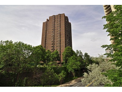 Condominium for sales at Loring Green #2303 1201 Yale Place #2302  Minneapolis, Minnesota 55403 United States