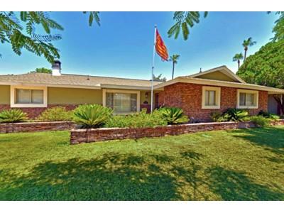 Nhà ở một gia đình for sales at One Of A Kind Home Set In One Of Scottsdale's Most Charming Neighborhoods 8214 E Rancho Vista Drive Scottsdale, Arizona 85251 Hoa Kỳ