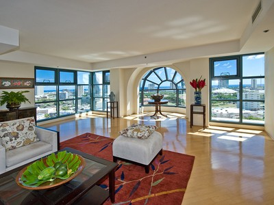 Condominio for sales at Queen Victoria Residences 1080 S. Beretania Street Grand Penthouse 2  Honolulu, Hawaii 96814 Estados Unidos