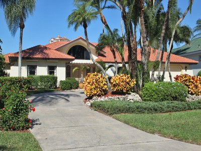 Single Family for rentals at 327 Devils Bight  Naples, Florida 34103 United States