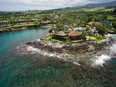 Maison unifamiliale for sales at Hawaiian Lodge Inspired Beach Pole House 43 Papaua Pl Napili, Hawaii 96761 États-Unis