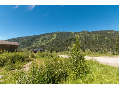Terrain for sales at Gently Sloping Building LOt 2513 Mountain View Drive Sun Peaks, Colombie-Britannique V0E5N0 Canada