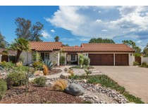 独户住宅 for sales at 557 La Calma    Escondido, 加利福尼亚州 92029 美国