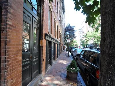 콘도미니엄 for sales at Lovely Beacon Hill Home 40 Phillips St Unit 2  Boston, 매사추세츠 02114 미국