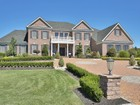 Nhà ở một gia đình for  sales at Timeless Elegance 3 Ethan Dr   Farmingdale, New Jersey 07727 Hoa Kỳ