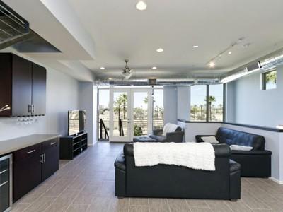 Casa para uma família for sales at Contemporary Urban Lifestyle-Portland II Phoenix 524 E Ames Place Phoenix, Arizona 85004 Estados Unidos