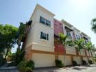 Condomínio for sales at 1033 NE 17 Way 1033 NE 17 Way Unit 1704 Fort Lauderdale, Florida 33304 Estados Unidos