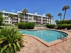 콘도미니엄 for sales at Oceanfront Condo in Sea Oaks 8880 Sea Oaks Way #208 Vero Beach, 플로리다 32963 미국