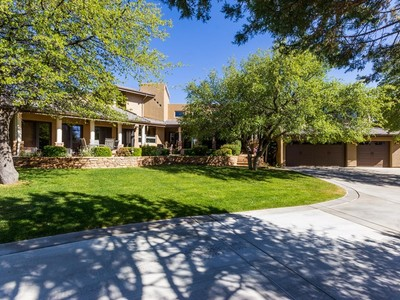 Einfamilienhaus for sales at Magnificent Remodeld Country Estate in Prescott 21 Yakashba Drive Prescott, Arizona 86305 Vereinigte Staaten
