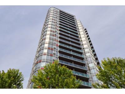 Condominio for sales at Spacious Loft at TV Towers 305-788 Hamilton Street Vancouver, Columbia Britannica V6B0E9 Canada