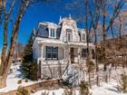 Casa para uma família for  sales at Côte-des-Neiges 3600 Av. de Kent Cote Des Neiges Notre Dame De Grace, Quebec H3S1N2 Canadá