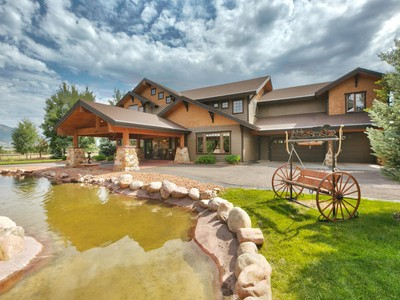 Maison unifamiliale for sales at Lovely & Hard to find 4 Acre Horse Ranch w/Barn & Mother-in-law in Charleston 2957 West Winterton Rd  Charleston, Utah 84032 États-Unis