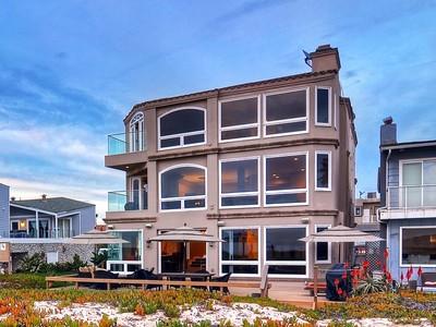 Tek Ailelik Ev for sales at 17071 Pacific Avenue   Sunset Beach, Kaliforniya 90742 Amerika Birleşik Devletleri