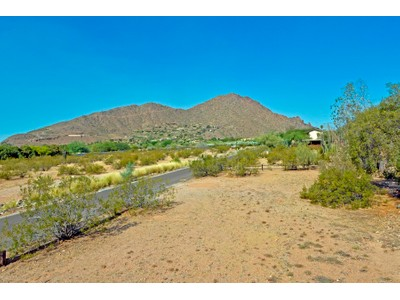 Terreno for sales at Level Paradise Valley Lot With Big Camelback Mountain & Sunset Views 5602 N Wilkinson Rd Paradise Valley, Arizona 85253 Estados Unidos