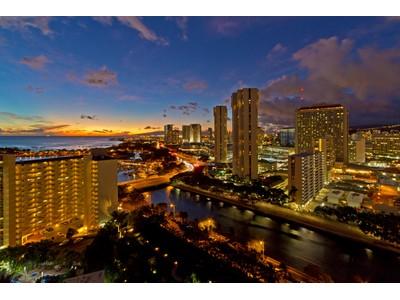 Condominio for sales at Ultra Modern Luxury Home in the Sky 1551 Ala Wai Boulevard #2105   Honolulu, Hawaii 96815 Estados Unidos