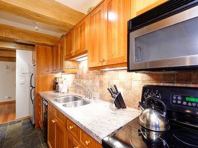 Kat Mülkiyeti for sales at Riverfront 4 Bedroom Townhome 1039 E. Cooper Avenue Unit 22 Aspen, Colorado 81611 Amerika Birleşik Devletleri